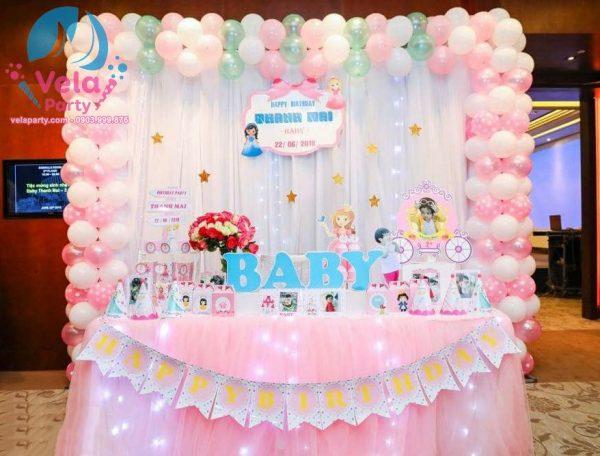 Bàn Tiệc Sinh Nhật Cho Bé